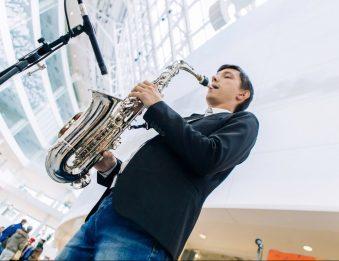 Свидание Тайный художник, саксофонист