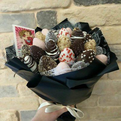 Букет из клубники в шоколаде, букет из клубника, клубника в шоколаде, букет из клубники екатеринбург